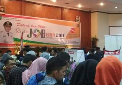 Hasil gambar untuk gubri buka job fair 2017